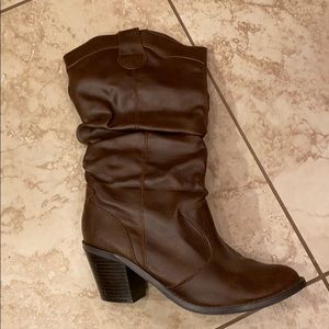 Soda cowboy boots brown size 8.5